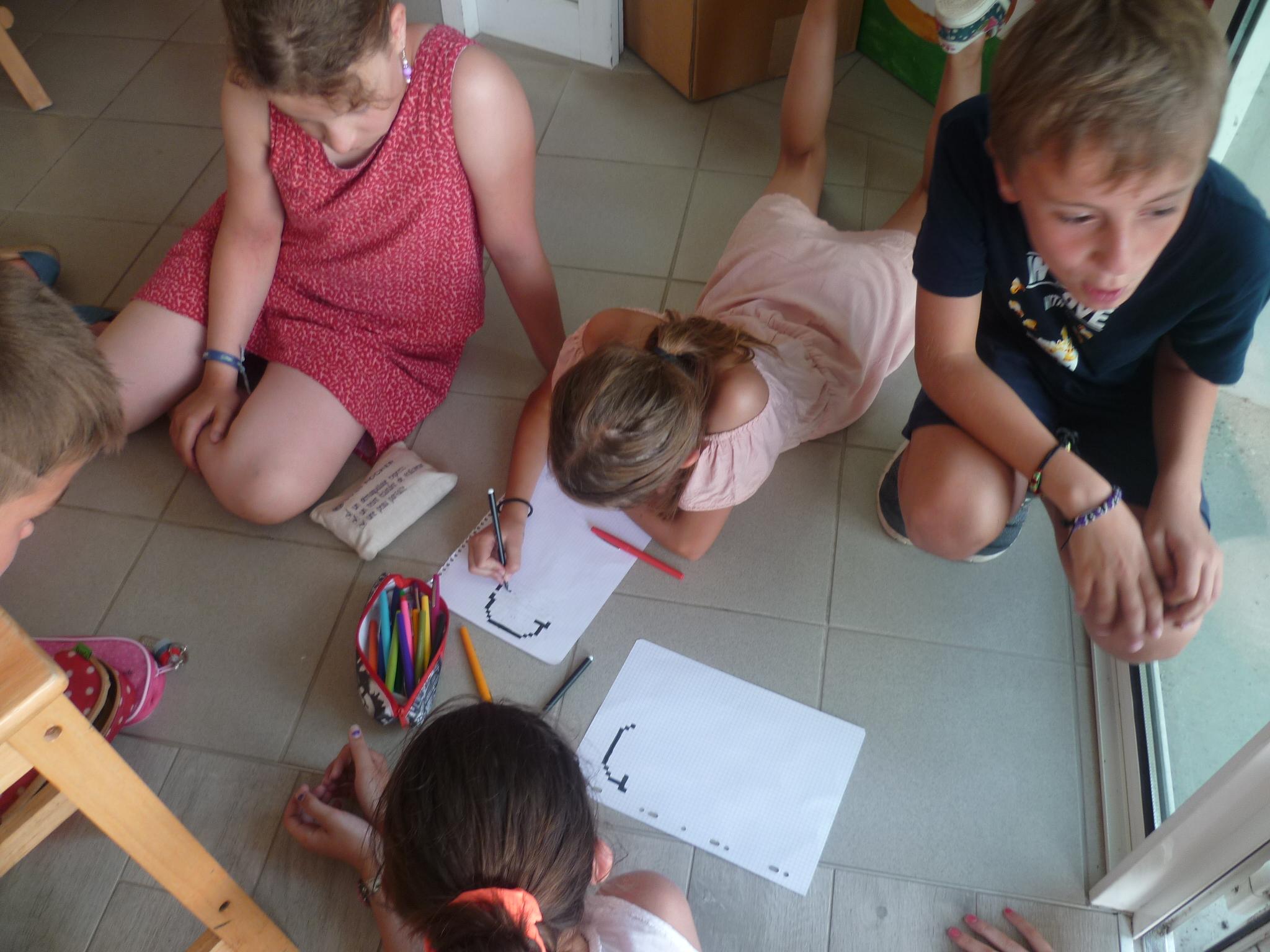 Le Pixel Art Ecole Sainte Famille Varades Loireauxence